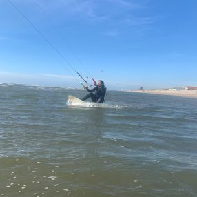 kiten met de wind mee